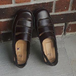 Life Stride  Shoe Size-8